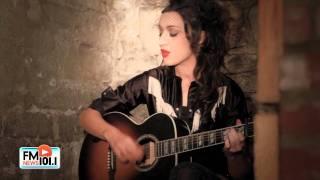"Lindi Ortega Performs ""Blue Bird"""