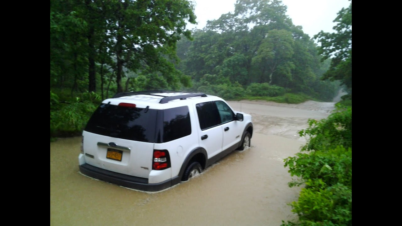 Ford Explorer Snorkel >> How to Kill a Ford Explorer - Go Offroading During a Flash Flood - YouTube