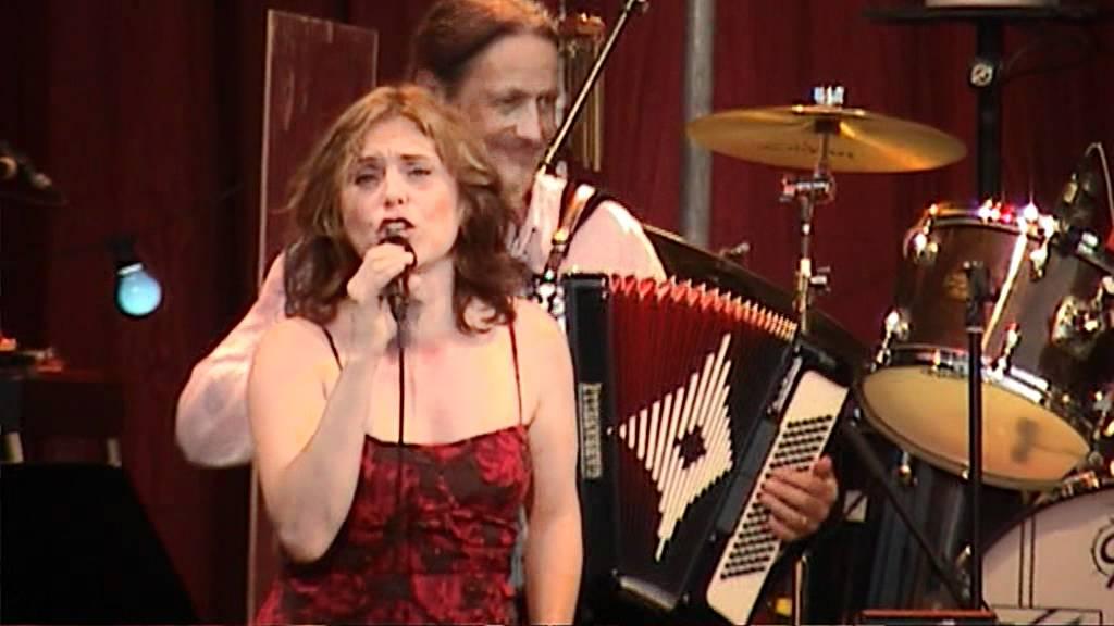 Du är min man performed by Helen Sjoholm with BAO