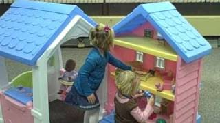 Little Tikes 2-in-1 Dollhouse Playhouse