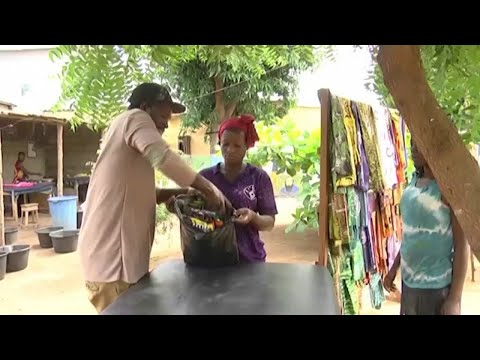 Togo, LA MARQUE TADONA PROMEUT LE TISSU AFRICAIN