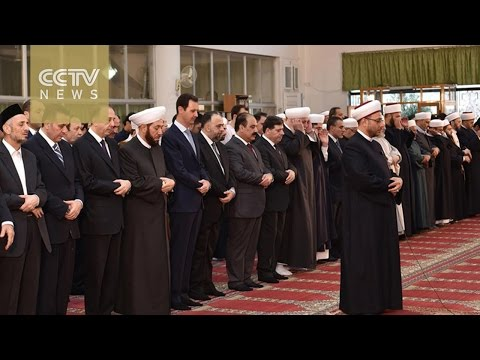 Bashar al-Assad attends prayers in Damascus mosque