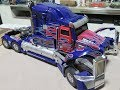Unique Toys UTR-02 Challenger (Optimus Prime) extended with stop motion