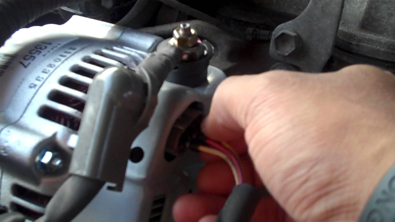 maxresdefault 1995 toyota camry alternator wiring issue youtube toyota alternator wiring diagram at webbmarketing.co