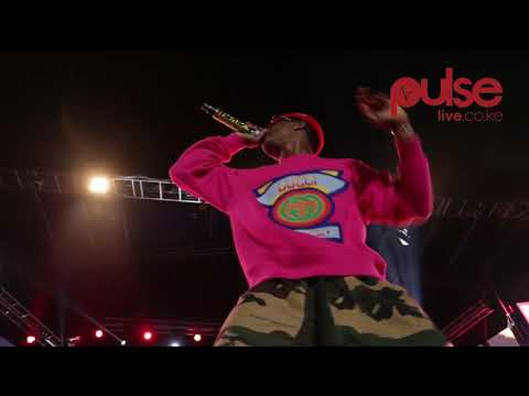 Wizkid kills the show in  Afraha Stadium, Nakuru County Kenya