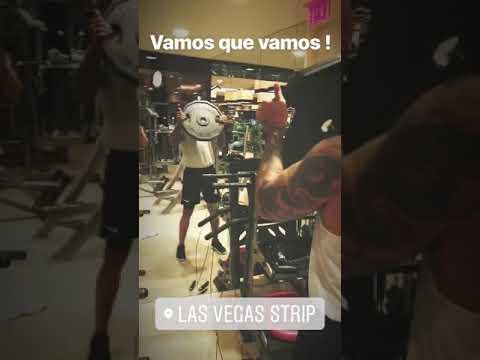 Dandole 💪 para esta noche... Las Vegas Strip😄@billboard👑💯❤@maluma #instastory(1)