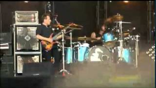 Them Crooked Vultures - Dead End Friends (live @ Rock Werchter 2010)