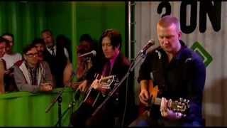 QOTSA - I Sat By The Ocean (Pinkpop Acoustic 2013)