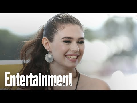 'Supergirl' Casts Nicole Maines As First Transgender Superhero | News Flash | Entertainment Weekly