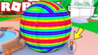 ROBLOX is destroyed by a giant ball 😱