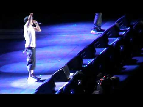 EMINEM LIVE SYDNEY 4TH DECEMBER 2011 CONCERT SUNDAY'S EVENT! PART 3 of 5