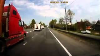 ДТП. Лобовое сталкновение грузовиков.(http://vk.com/id132894634 все добавляйтесь в друзья Водители обоих грузовиков погибли, пассажир МЧСовца в тяжелом..., 2012-08-23T12:16:24.000Z)