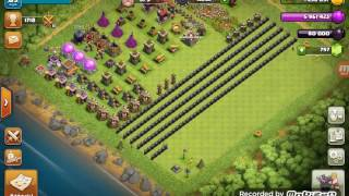 Clash of Clans - Maxing out my town hall 8 by upgrading my final lvl 8 wall!