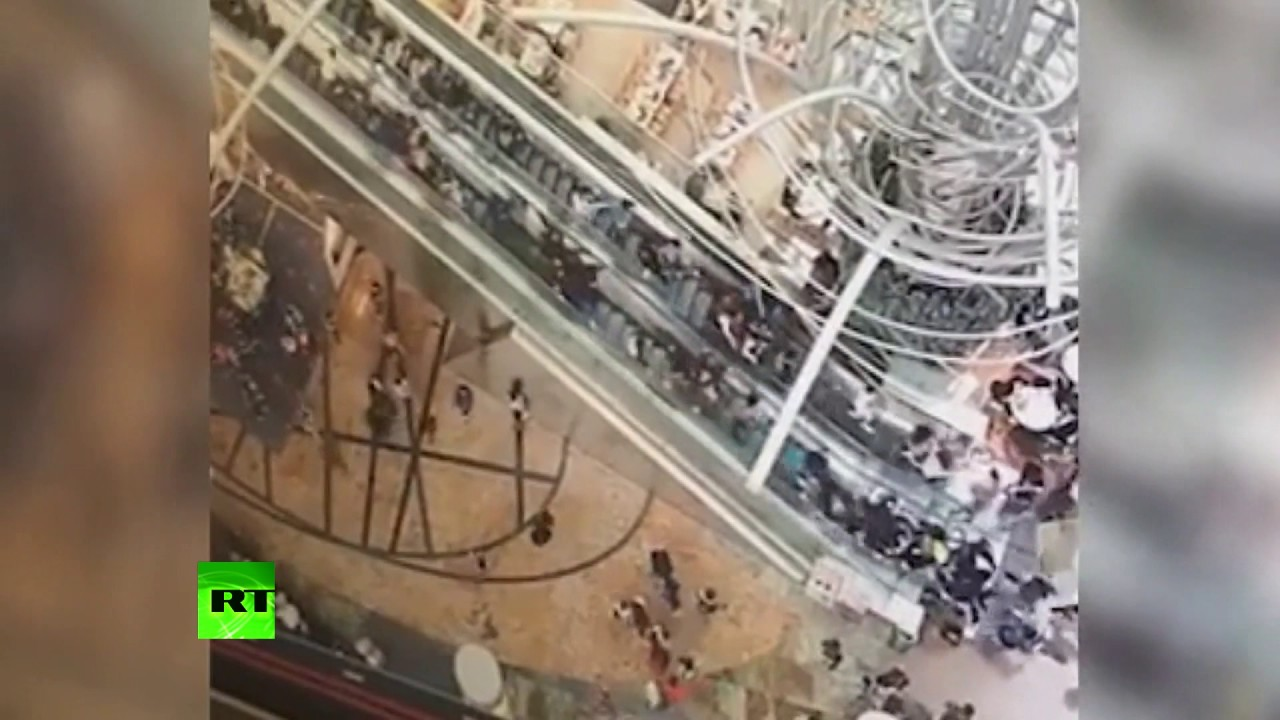 Nightmare rollercoaster: At least 18 injured as Hong Kong escalator changes direction & speeds up