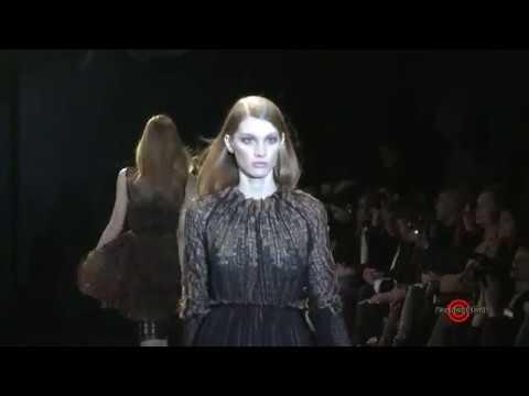 Sharon Wauchob - Paris Fashion Week Fall / Winter 2011-2012 Runway show