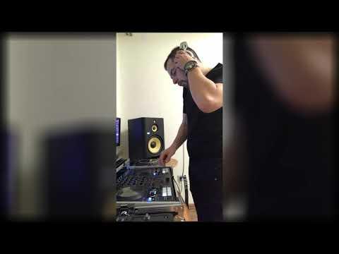 A-Mase Играет Classic House & Trance DJ SET Дома!