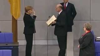 Vereidigung der Bundeskanzlerin Angela Merkel im Bundestag am 22.11.2005