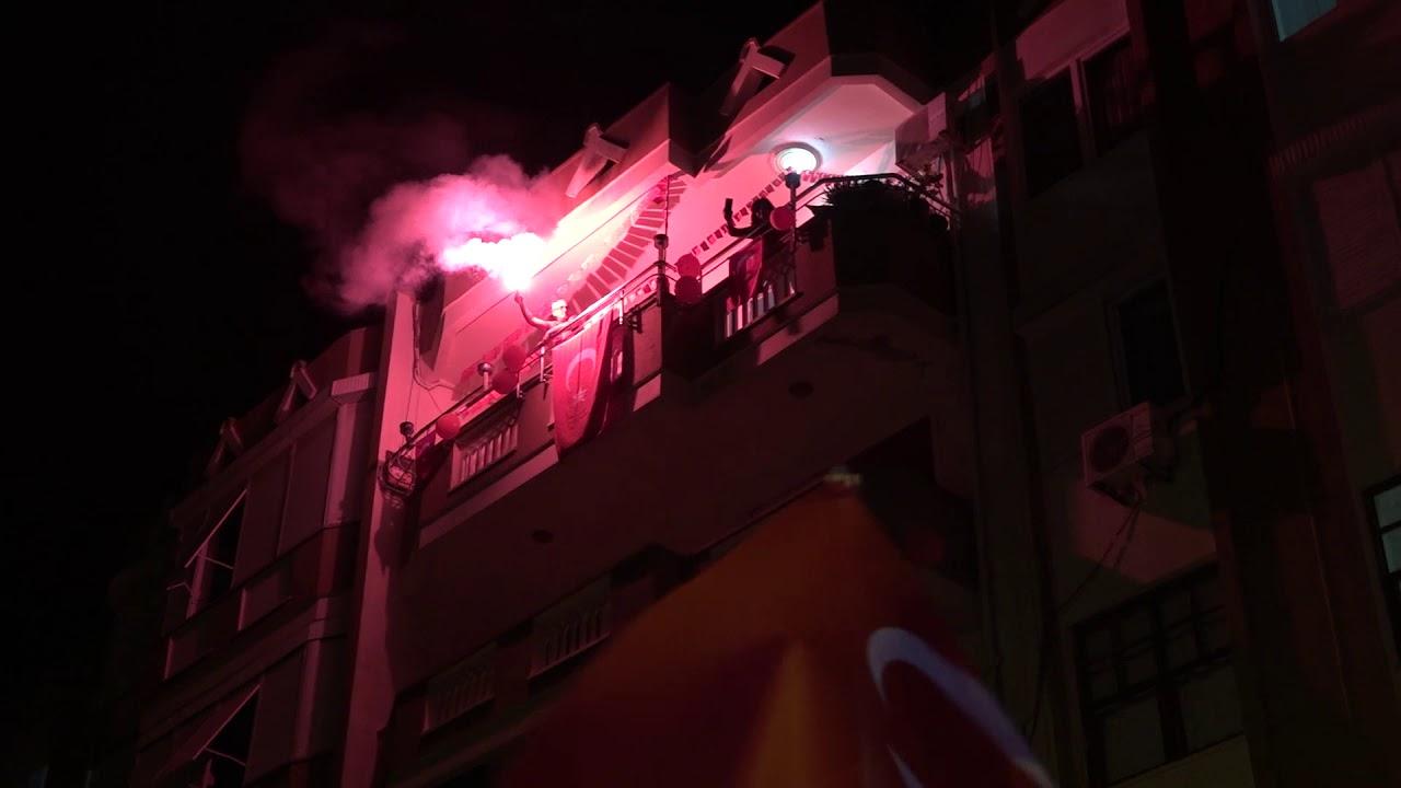 Alanya'da 23 Nisan Coşkusu Balkonlara Taşındı