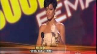 Rihanna Wins Award @ AMA 2008
