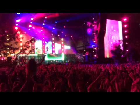 Moxie - I Love It When You Cry (Steve Aoki Remix) *Made In America Festival, Philadelphia 8/30/14*