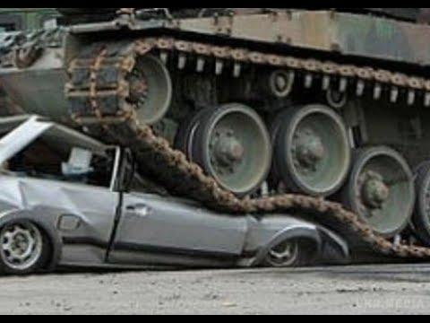 В Наро-Фоминске танк раздавил полицейскую машину как консервную банку - Подмосковье 2018 г.