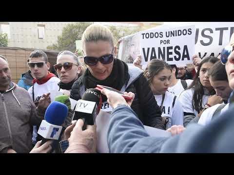 Concentración de familiares y vecinos de Vanesa Martín piden justicia