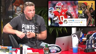 Pat McAfee Reacts To Tyreek Hill Having 1% Body Fat