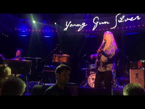 Young Gun Silver Fox - You Can Feel It (Amsterdam 24/09/2017)