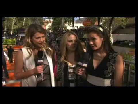miriam mcdonald lauren collins and nina dobrev at the kca 2009