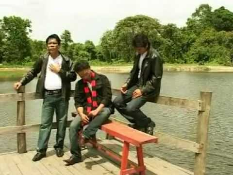 Di Sungai Siak - TRIO TOGAMA