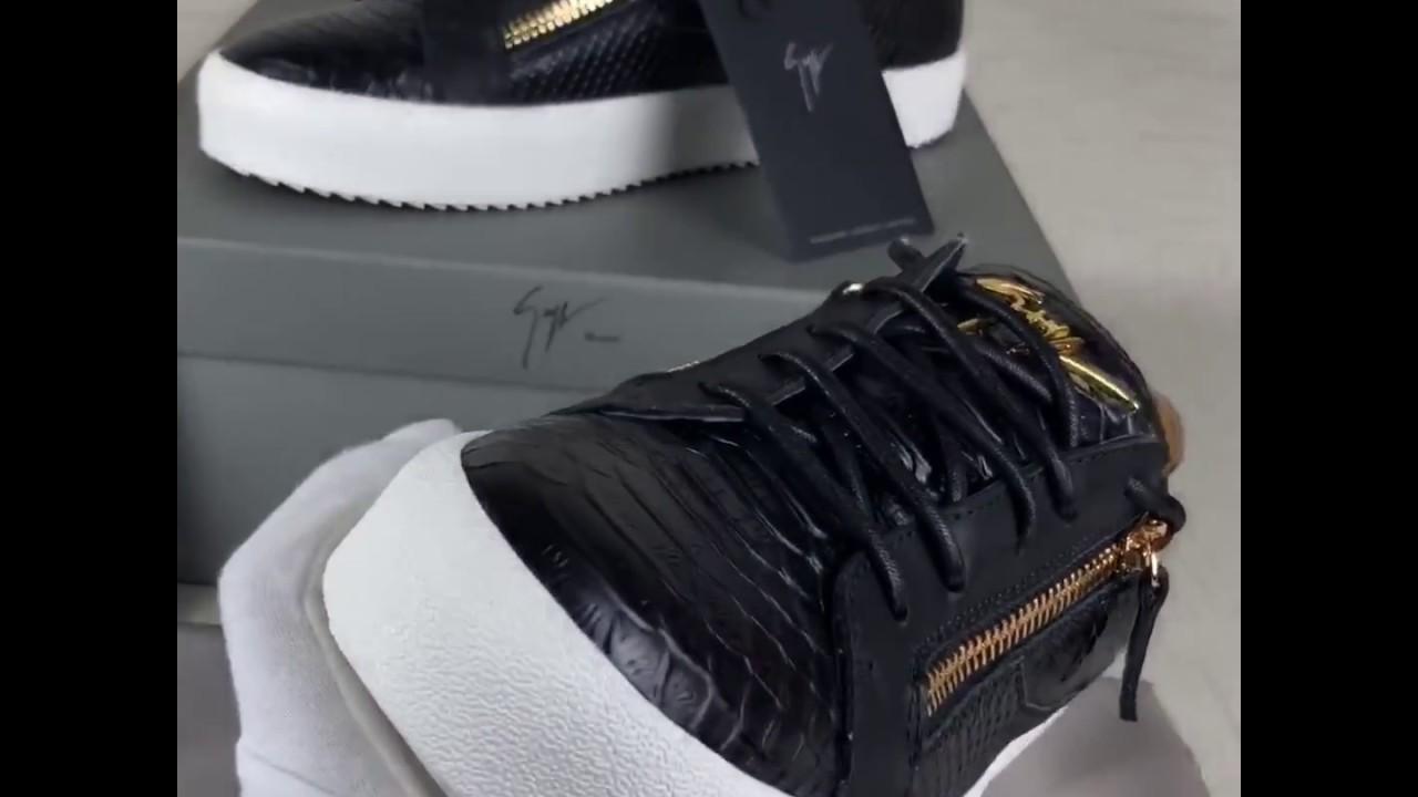 05fc0787f7bc0 Giuseppe Zanotti FRANKIE Black patent crocodile-embossed low-top sneaker
