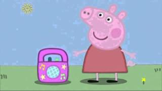 Peppa listents to pusi music