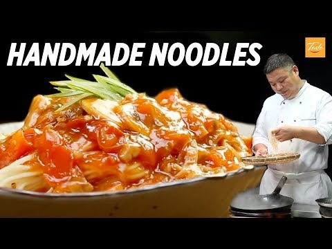THE ART OF HANDMADE NOODLES - How to make Chinese Noodles At Home l 蕃茄打卤面
