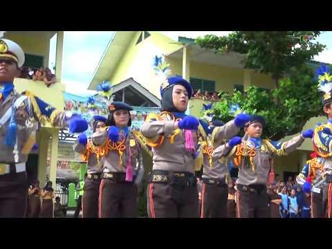 SMP 1 OKU Baturaja diserbu POLISI, siswa berhamburan keluar kelas ( tonton sampai habis )