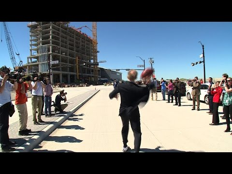 Watch Roger Staubach Throw A Hail Mary To Drew Pearson At The Star In Frisco
