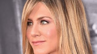 What Jennifer Aniston Typically Eats In A Day