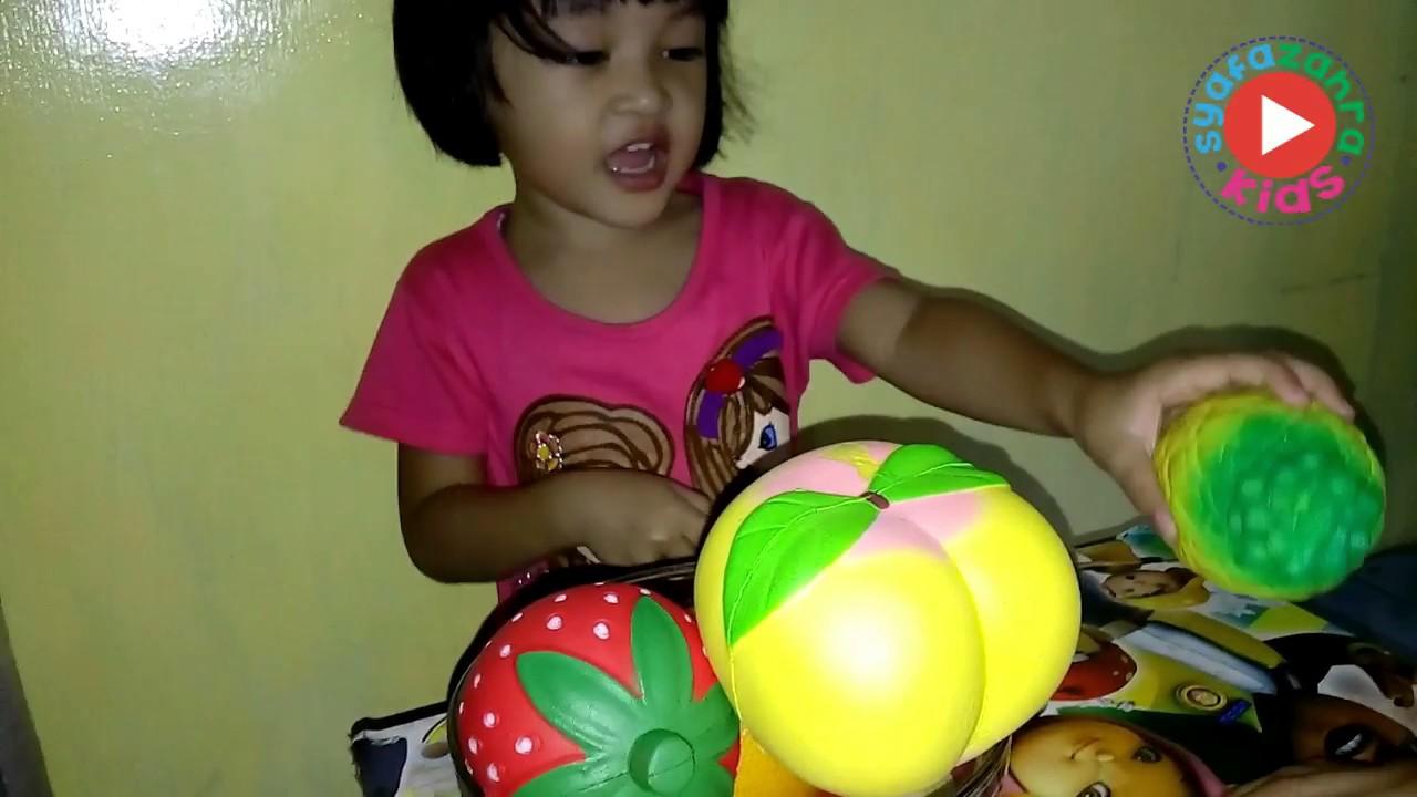 JUMBO Pineapple SQUISHY - Squishy Nanas - YouTube