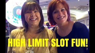 HIGH LIMIT SLOT MACHINE PULL WITH JULIE at Palazzo
