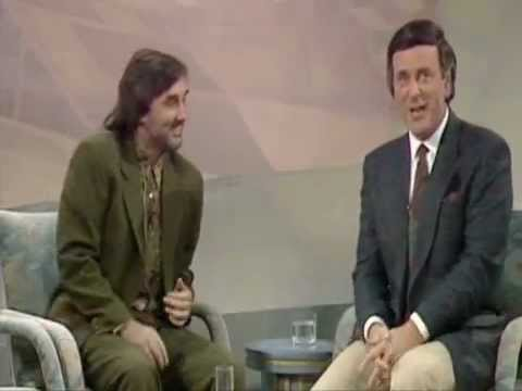 """George Best & Terry Wogan"" embarrassing drunk interview."