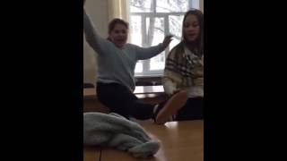 YanisM   Лия танцует