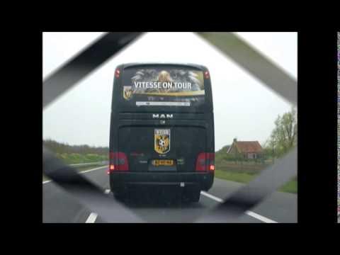 12 04 2014 Cambuur Vitesse 4 3 Cambuur Haalt Vitesse Bus In Youtube