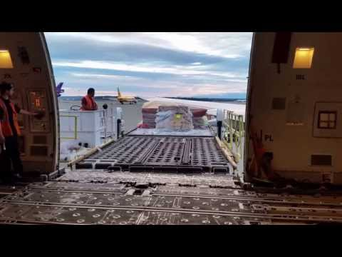 CV Powered by EI Loading and Unloading  at Sea-Tac