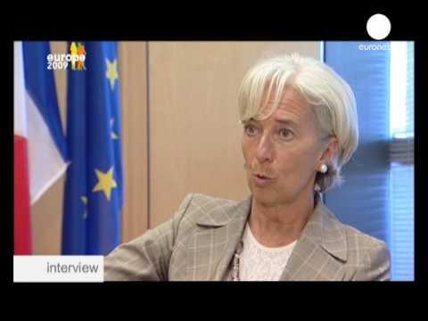 """Christine Lagarde : """"Les licenciements envisagés aujourd'hui on les ressentira même après la reprise économique"""""""