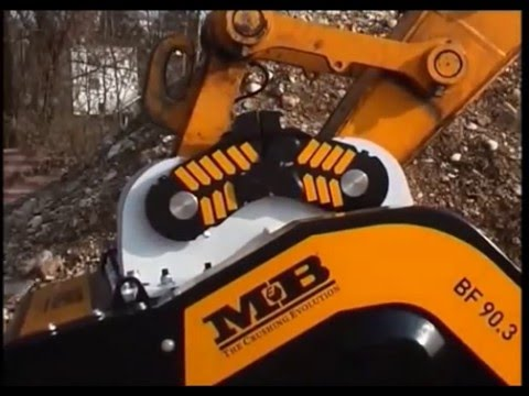 How Does MB Crusher Bucket Work
