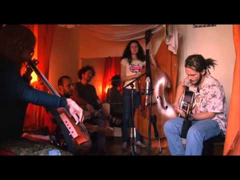 Persevere - Rainbow Drops (Live Acoustic at PsJ186 Barcelona)