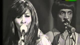 Ike & Tina Turner live on italian TV (1971).