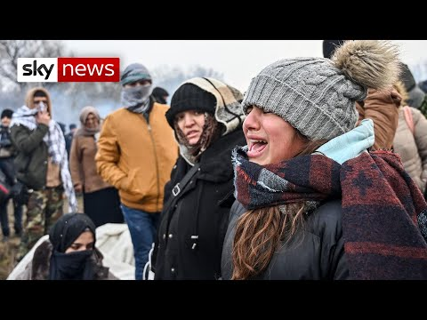 Refugees face tear gas on Turkish border