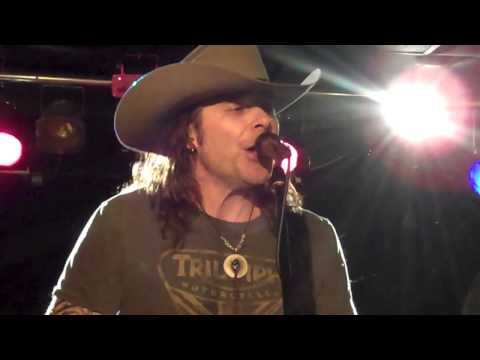 Mike Tramp of White Lion - Tell Me (5/8/14)