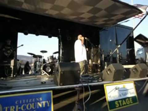 Kickin It In Tennessee by Big Smo @ Redneck Idol Fest 11-5-11.mp4