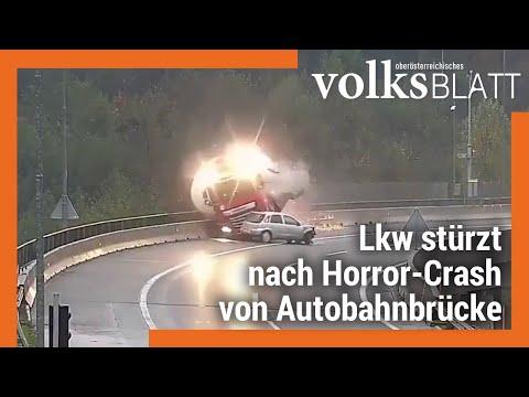 Lkw Stürzt Nach Horror-Crash Von Autobahnbrücke